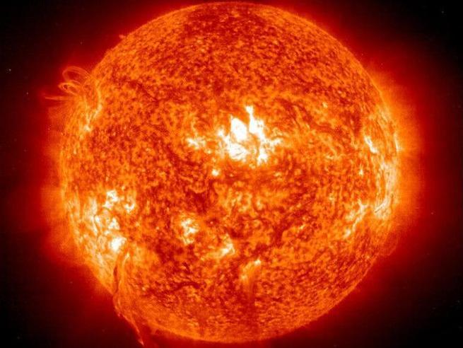 Il Sole alla massima distanza  dalla Terra: oggi siamo all'afelio