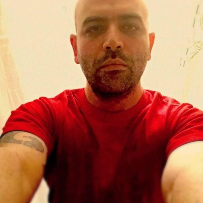 Risultati immagini per Saviano con la maglia rossa immagini