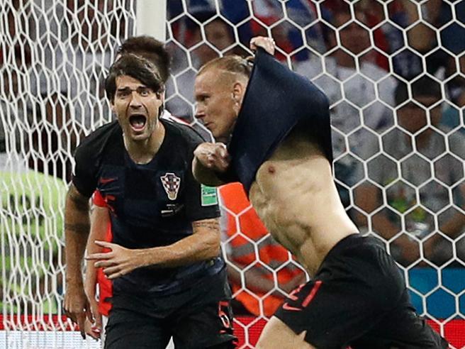 La Russia si inchina ai rigori Croazia in semifinale con l'Inghilterra (2-0 alla Svezia)  Le semifinaliste: tabellone