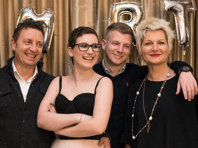 I genitori di Martina    morta a 19 anni per un tumore    «Siamo sereni    le abbiamo dato