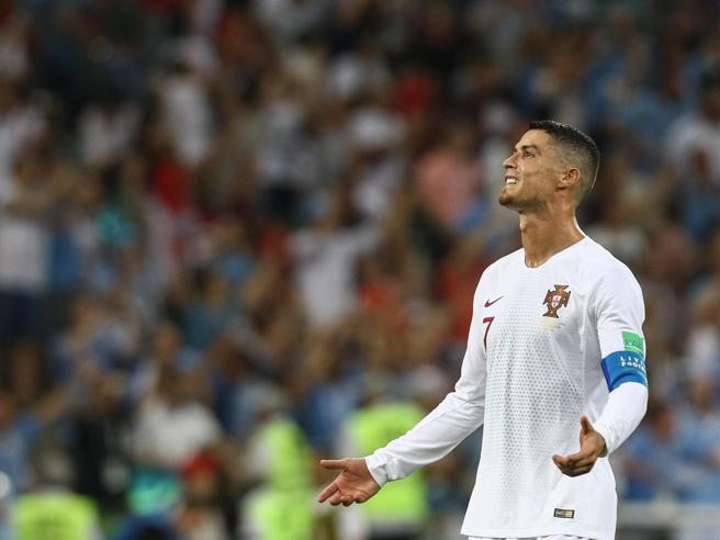 Cristiano Ronaldo alla Juve per 105 milioni: è l'affare del secolo