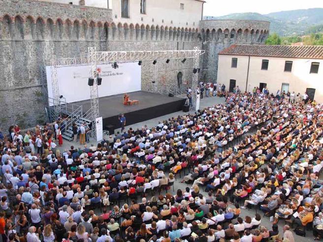La mente da sola non esiste: voglia di comunità al Festival di  Sarzana