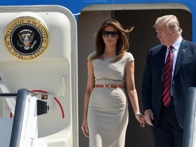 Trump, Melania (e le sue valigie) sbarca a Londra, staff trafelato
