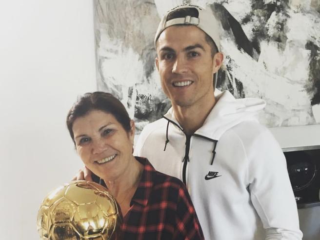 Cristiano Ronaldo, la sua donna del cuore' Mamma Maria Dolores