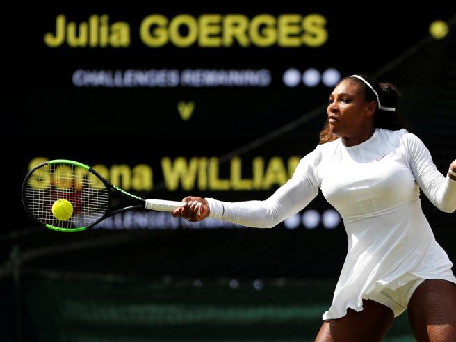 Wimbledon, Serena Williams una mamma in finale: battuta la Goerges, sabato sfiderà la Kerber