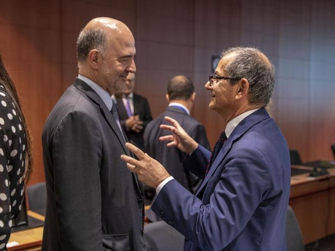 Tria: «No a manovra correttiva. Il calo del debito italiano? Non è in discussione»