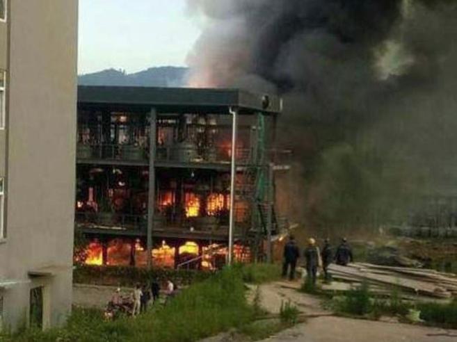 Cina: esplosione in impianto chimico, 19 morti