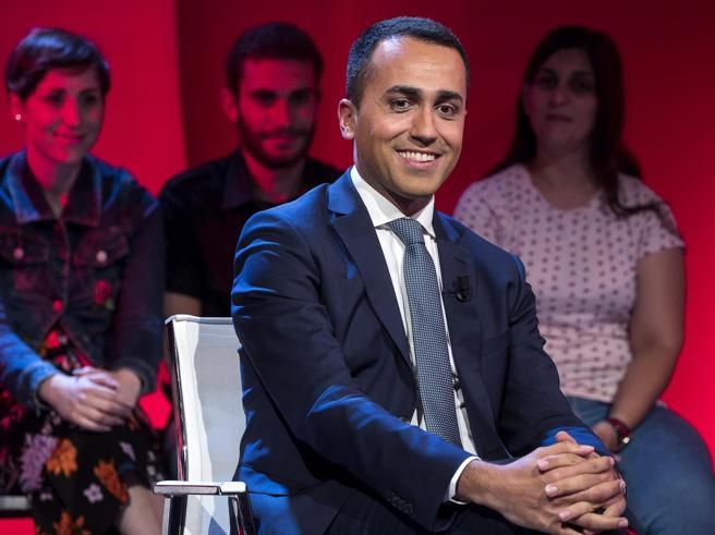 Lavoro, Di Maio: «Bonus per stabilizzare i contratti a tempo»