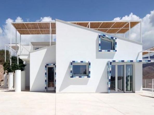 I mostri trasformati in gioielli da ruderi di cemento a for Case realizzate da architetti