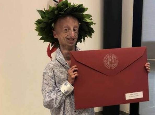 Sammy Basso, laurea in Scienze naturali a Padova con 110 e Lode -  Corriere.it