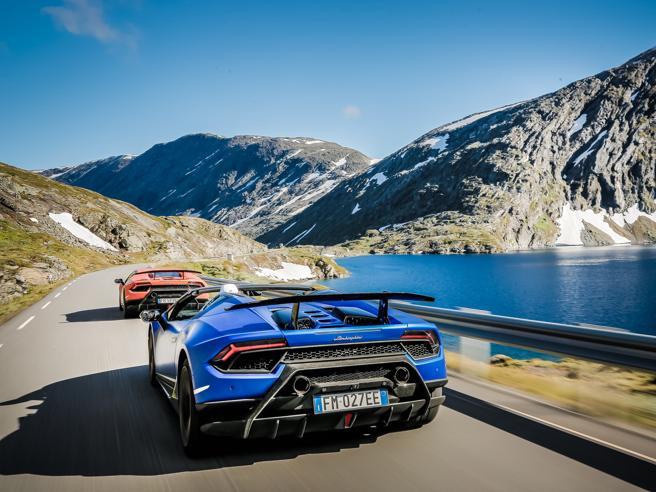 In Lamborghini sui fiordi norvegesi
