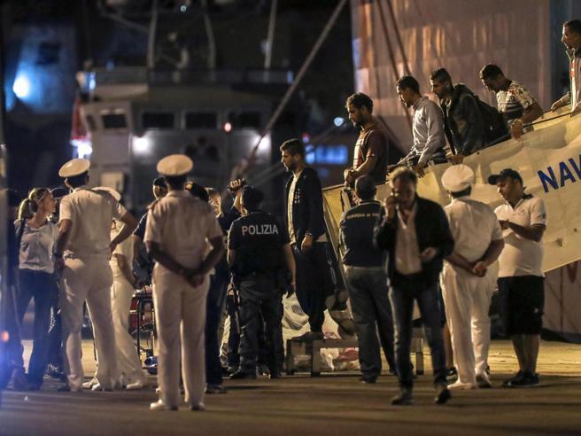 Migranti morti in mare, lite tra le ong e il ministro Salvin