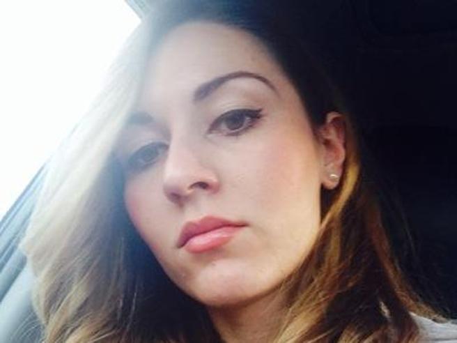 Di Maio e Assia Montanino,  26enne di Pomigliano assunta come segretaria  a 72 mila euro«Onesta e leale, ...