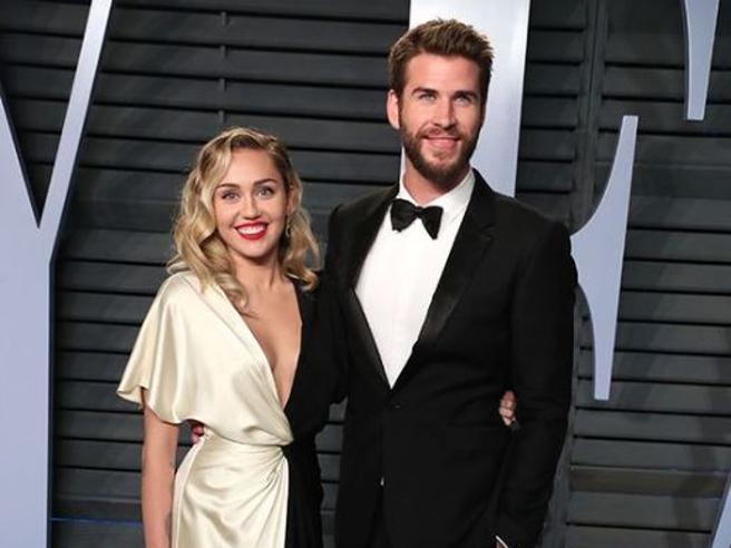 Miley Cyrus ha mollato Liam Hemsworth: matrimonio annullato