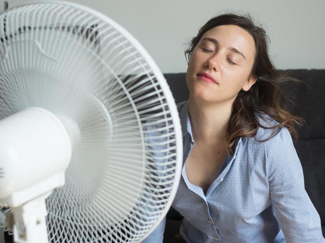 È vero che col caldoil nostro cervello funziona peggio:la prova scientifica