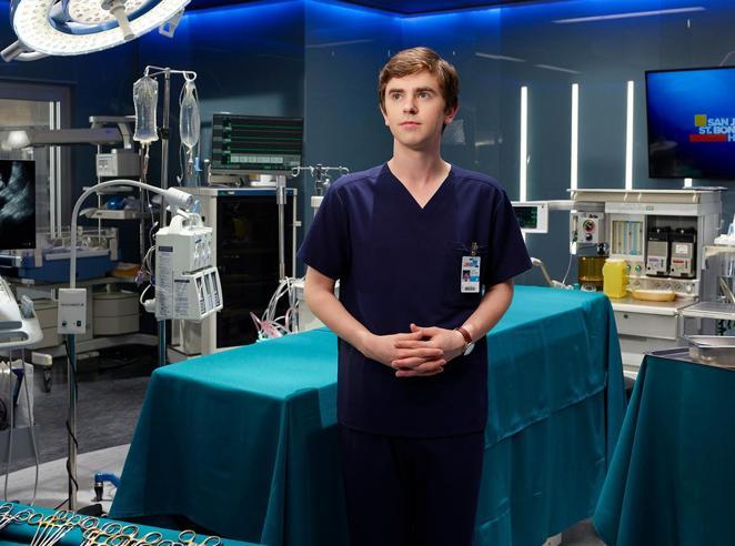 Il medico autistico Highmore è la nuova star delle serie tv