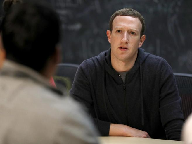 «Facebook difende il diritto degli utenti di sbagliare, anche negare Olocausto»