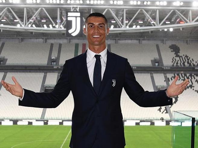 Ronaldo alla Juve: le foto su Instagram sono da record | I post con più like di sempre
