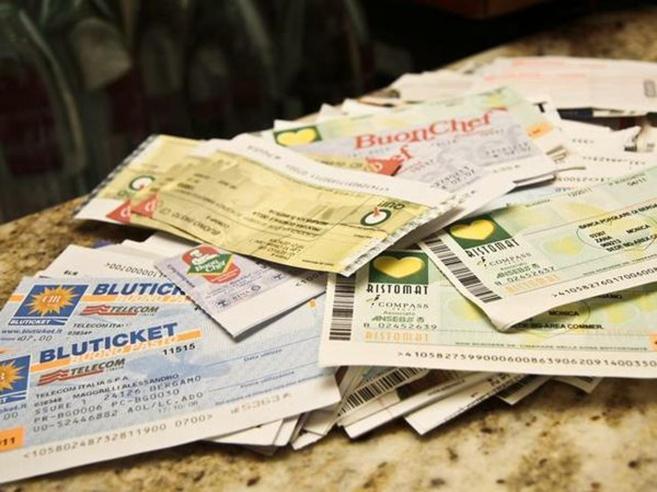 Gli statali rimasti senza buoni pasto Bongiorno: «Intollerabile»