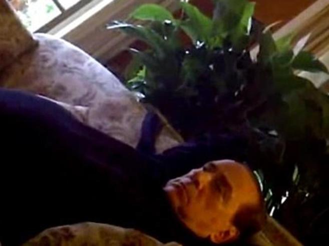 Berlusconi e il videosegreto con le olgettine: «Facci lavor