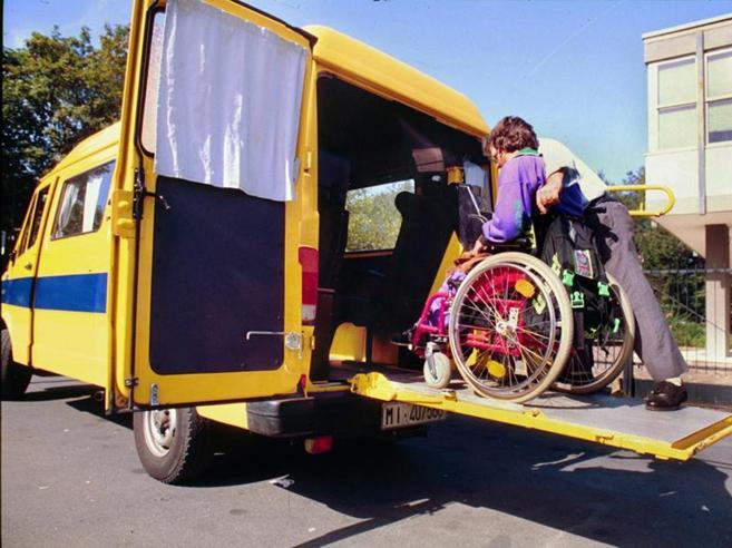 Studenti disabili, a rischio le ore di sostegno: prof e genitori sul piede di guerra