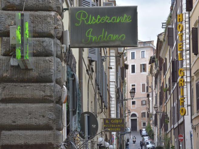 L'ex rivoluzionario contro  condomini:   guerra  nel palazzo di Monicelli