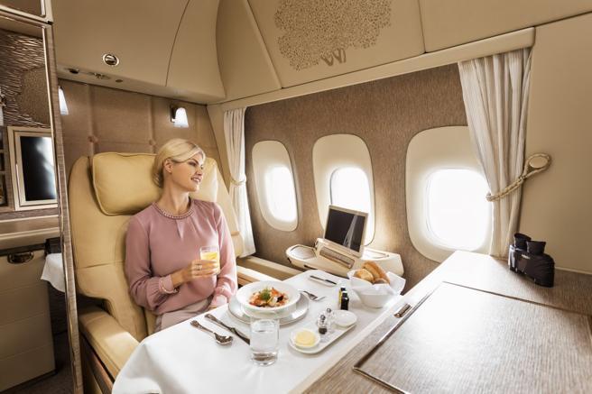 Menù gourmet e suite private. Ecco le compagnie aeree con la prima classe più lussuosa
