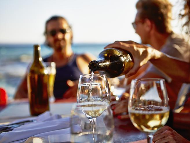 Dall'Ansonica al Grillo, gli 11 vini dell'estate