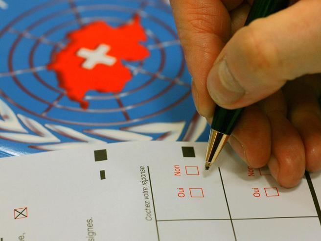 Le lezioni svizzere per Bruxelles(con il permessodei leghisti locali)