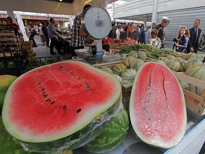 Troppo caldo, è record di frutta: consumi mai così alti da 10 anni
