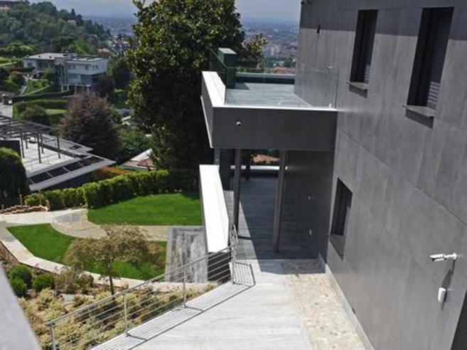 Ronaldo, la mega (doppia) villa di CR7: piscina coperta e palestra con Littizzetto come vicina