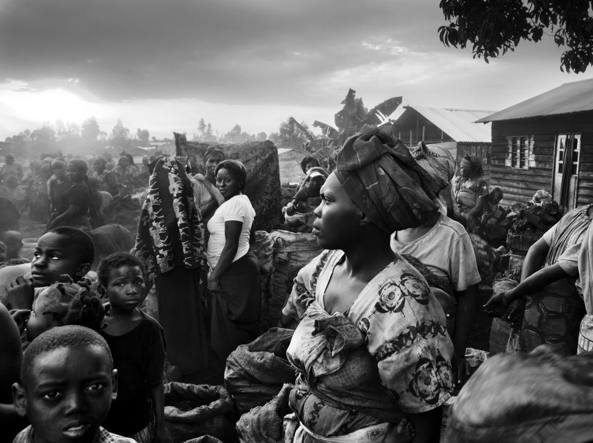 Pietro Masturzo, «Goma, South Kivu, Democratic Republic of Congo, July 2010. A coal market»