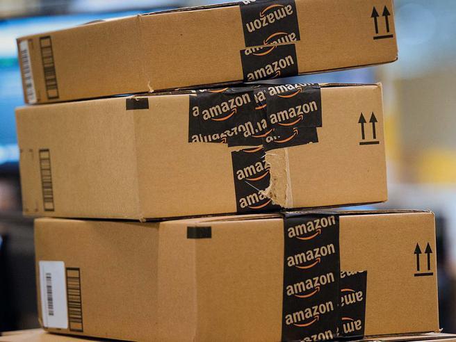 Amazon, multa di 300mila euro da Agcom: fa il «postino» senza permesso