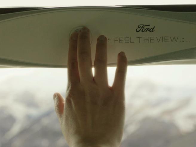 Auto: il finestrino per non vedentiche permette di vedere il panorama