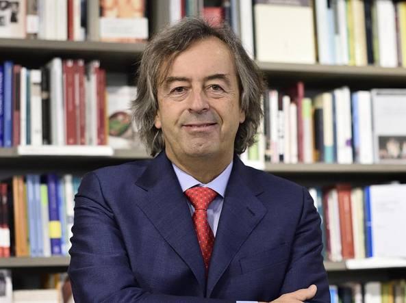 Il virologo Roberto Burioni (Ansa)