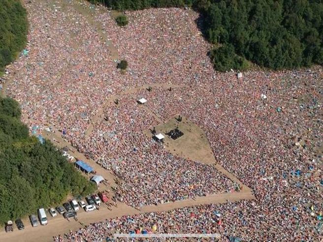 Jovanotti, in migliaia al concerto per le Marche annunciato a sorpresa