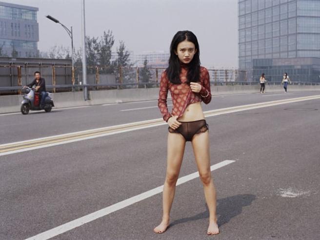 Rasate, tatuate, in intimo: le donne ribelli che sfidano l'ortodossia della Cina Foto
