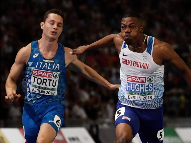 Europei, delusione Tortu solo quinto in finale nei 100La parolaccia in diretta: «La tosse? Non c'entra un c...»