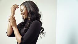 Pretty Yende, soprano sudafricano: «Io, come una Cenerentola nera»