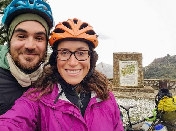 Jay e Lauren, i sognatori che giravano il mondo in bici uccisi dall'Isis