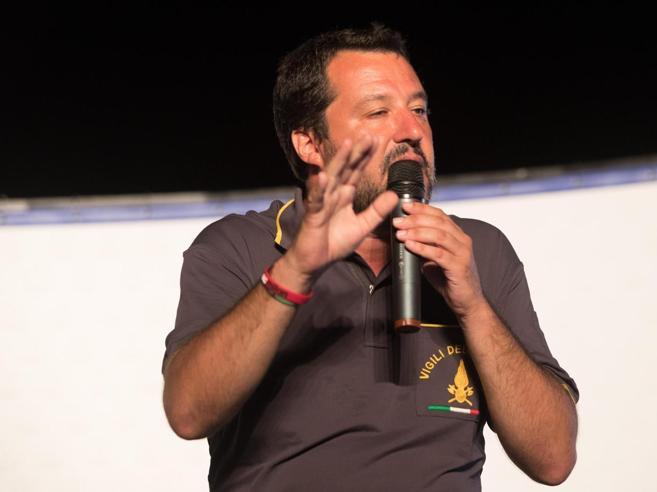 """Salvini: «Via la dizione """"genitore 1"""" e """"genitore 2"""" Si torna a madre e padre»La situazione in Italia: grafico"""