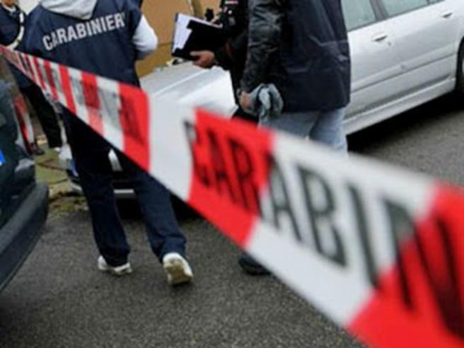 Ucciso a colpi di pistola a bordo piscina in Calabria sotto gli occhi dei turisti