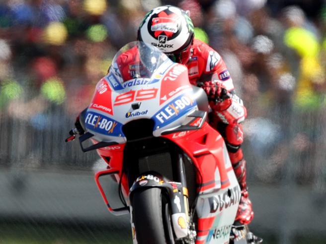 Gp d'Austria, ruggito Ducati Lorenzo vince su Marquez foto Dovizioso terzo, Rossi sesto