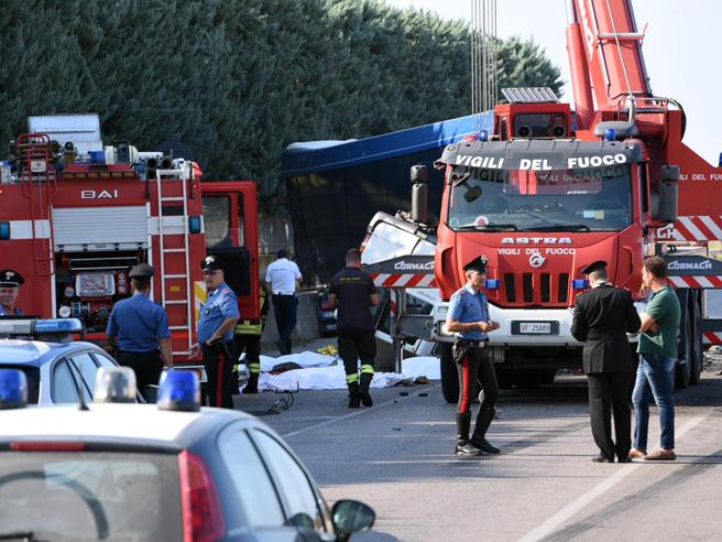 Braccianti morti a Foggia: 3 indagati a  Larino, l?accusa è caporalato