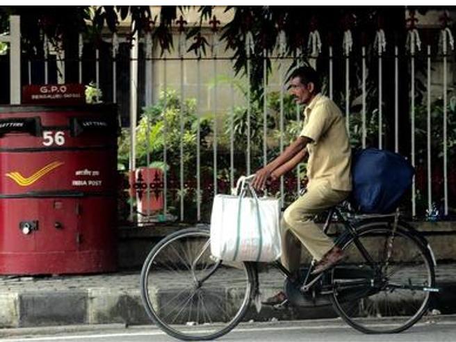 India, postino non consegna 6.000 lettere in 10 anni: licenziato