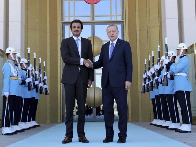 Soccorso di lusso per Erdogan: dal Qatar fondi per 13 miliardi