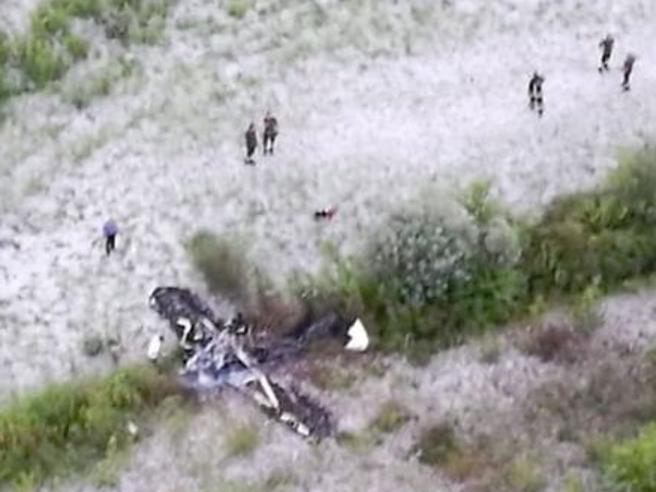 Treviso, aereo da turismo trancia cavo e si incendia: due morti Foto