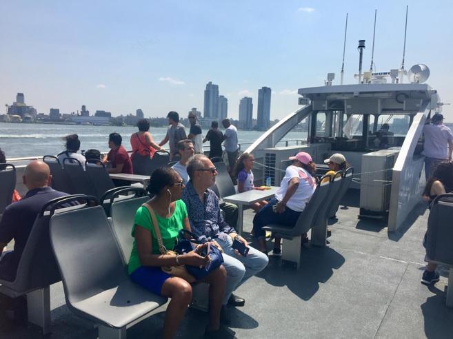 Il Bronx come Venezia: ora New York si muove in traghetto