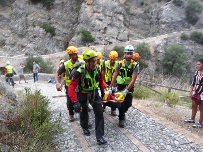 Calabria, torrente in piena travolge escursionisti: 10 morti nelle Gole del Raganello Le vittime| La dinamica