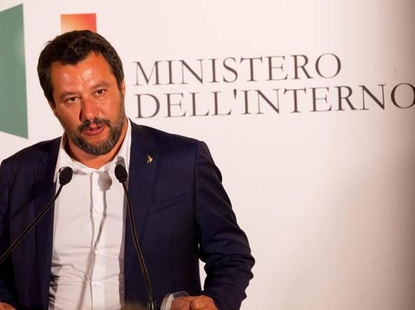 Migranti, Salvini nuovamente indagato per sequestro di persona | Nel registro anche Conte,Di Maio e Toninelli.